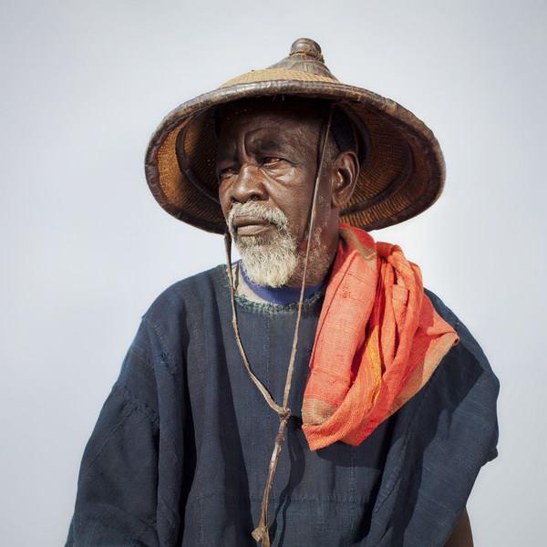 À UN PAYSAN NOIR _ Mamadou MoustaphaWade