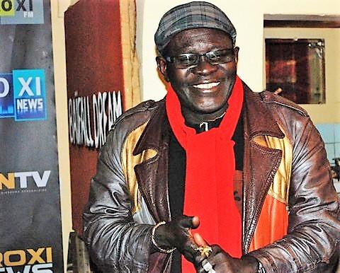 Entretien avec le Dr Ndongo Mbaye, le conteur et poète Sénégalais qui chante lesmots
